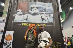phoenix-james-at-la-mole-comic-con-20th-anniversary-in-mexico-2